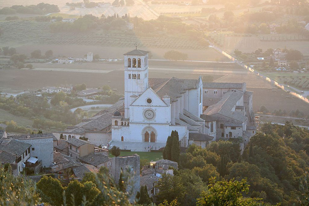 Tour virtuale a 360° nella Basilica di San Francesco di Assisi