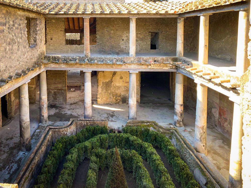 Dopo quarant'anni riapre la Casa degli Amanti a Pompei