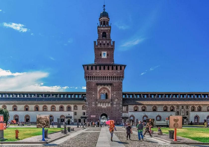 Milano approva un Piano Cultura da due milioni di euro per sostenere gli operatori del settore in città