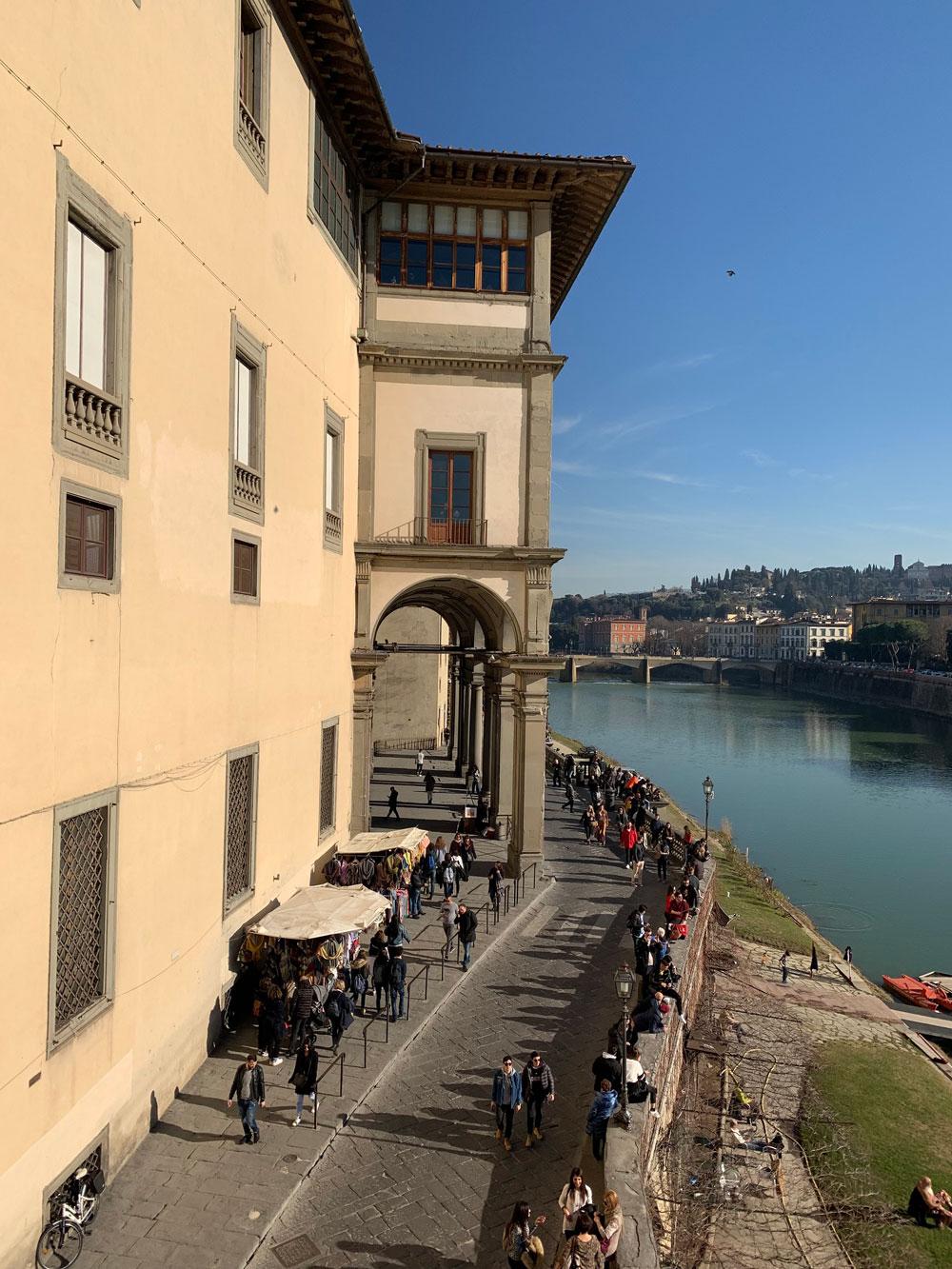 Lavori alla facciata del Corridoio Vasariano e controlli ogni due mesi per due anni
