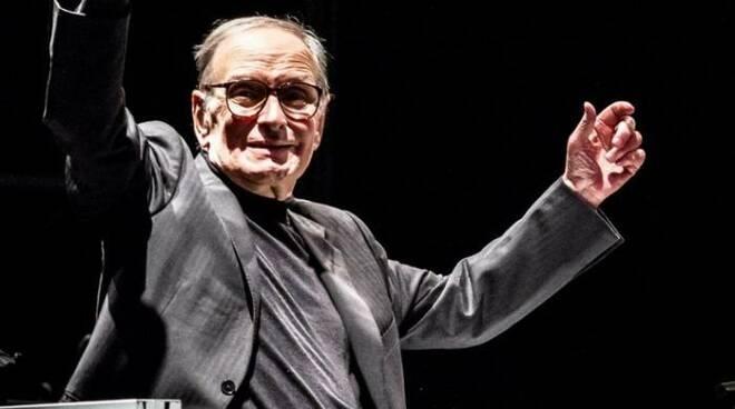 Addio a Ennio Morricone, il compositore e musicista premio Oscar