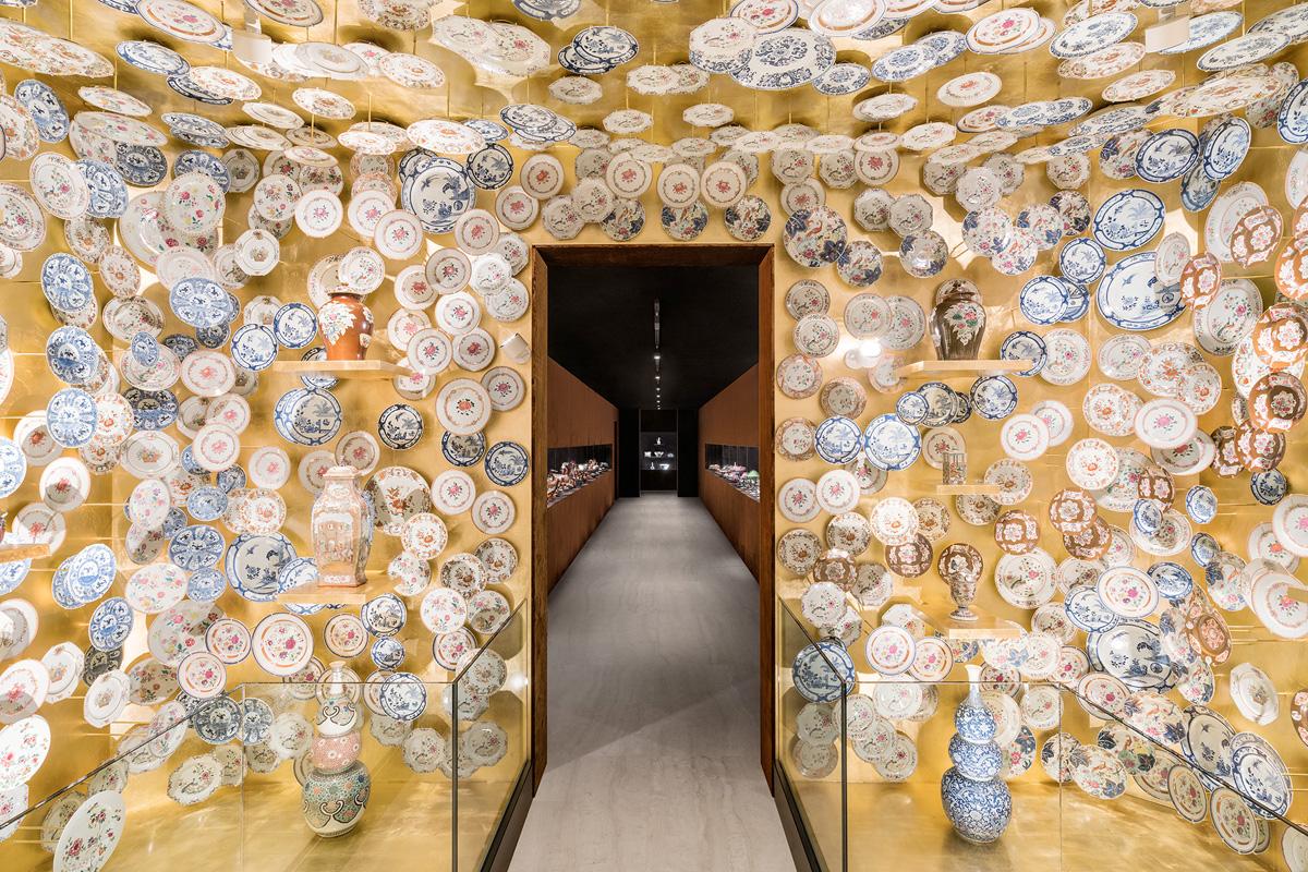 Milano, le porcellane cinesi da esposizione alla Fondazione Prada
