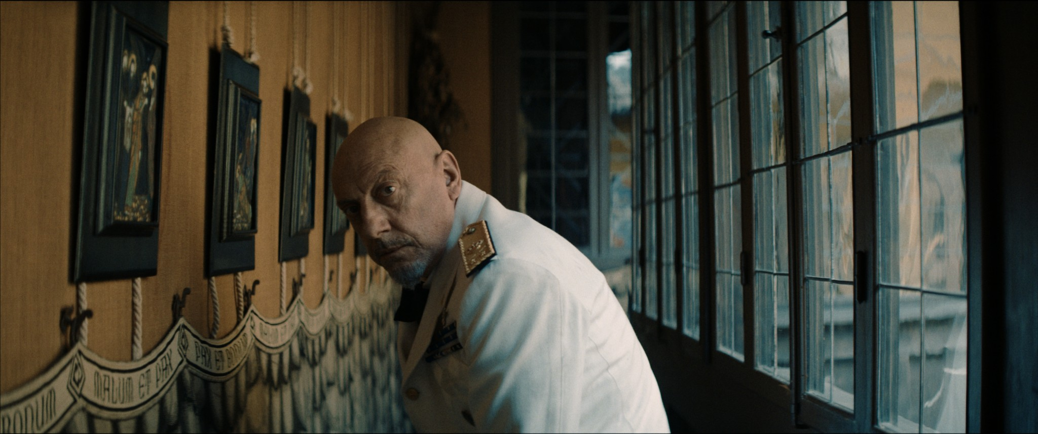 """Sergio Castellitto interpreta Gabriele d'Annunzio nel film """"Il Cattivo Poeta"""""""