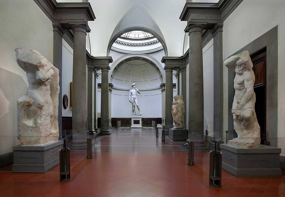 Firenze, la Galleria dell'Accademia riapre con biglietto più basso e un nuovo impianto di aerazione