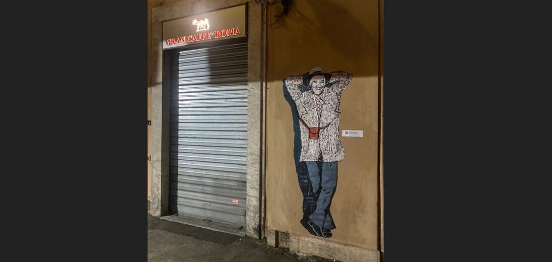 Roma, la street artist Laika dedica un manifesto a Gigi Proietti