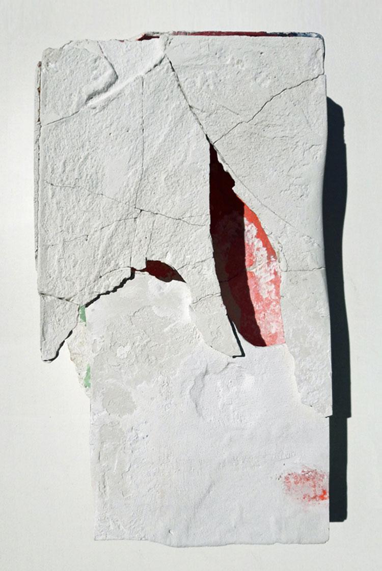 L'archeologia personale di Franco Guerzoni in mostra al Museo del Novecento di Milano