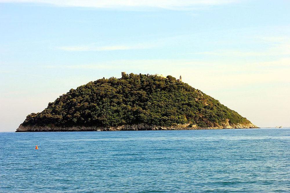 MiBACT, diritto di prelazione su una villa dell'Isola della Gallinara. Sarà sede espositiva pubblica