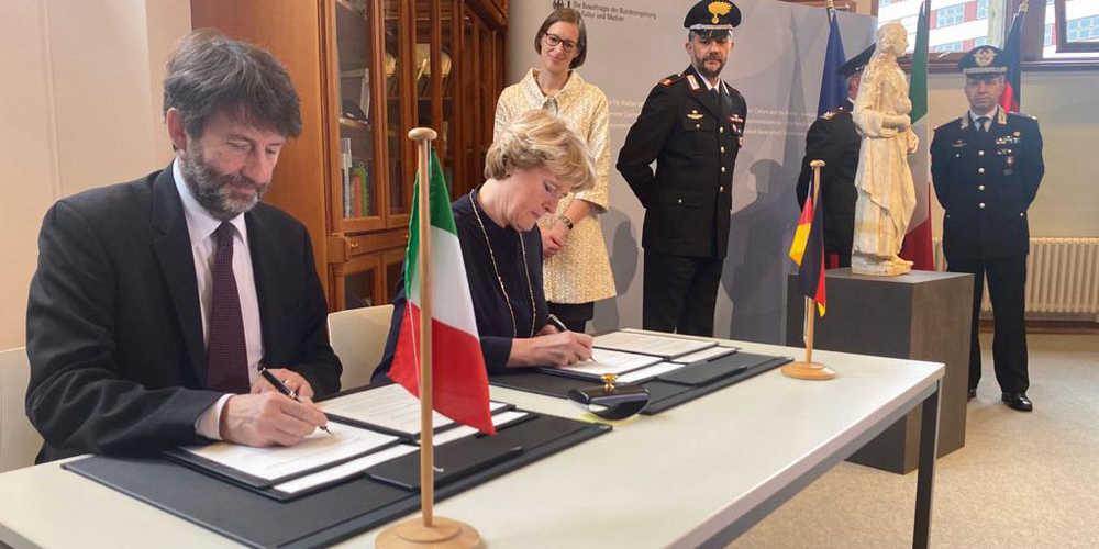 L'Italia restituisce ai legittimi proprietari una statua attribuita ad Andrea della Robbia, rubata dai nazisti a una famiglia tedesca