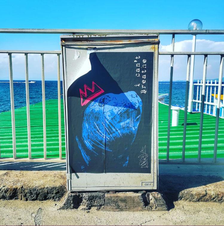 Ischia, la street art denuncia l'inquinamento dei mari