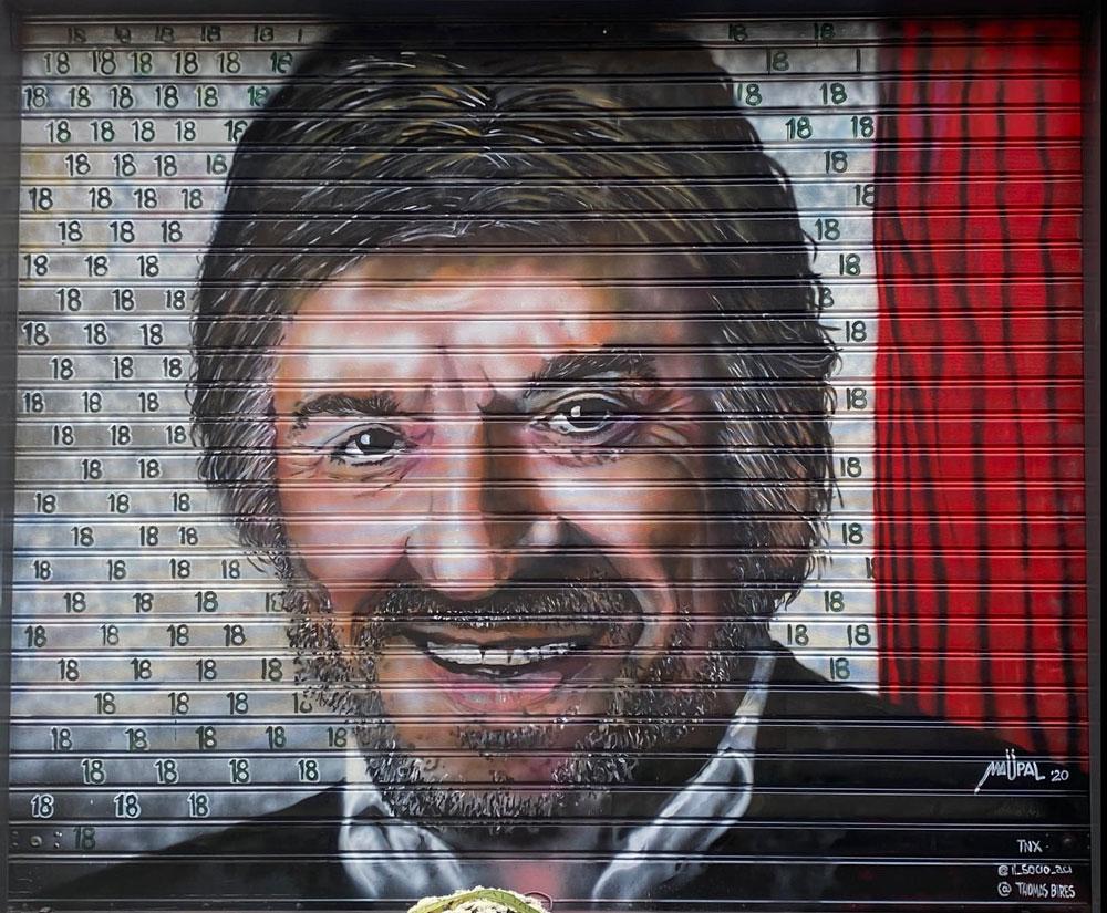Roma, street artist omaggiano Proietti in attesa di un grande murale a lui dedicato