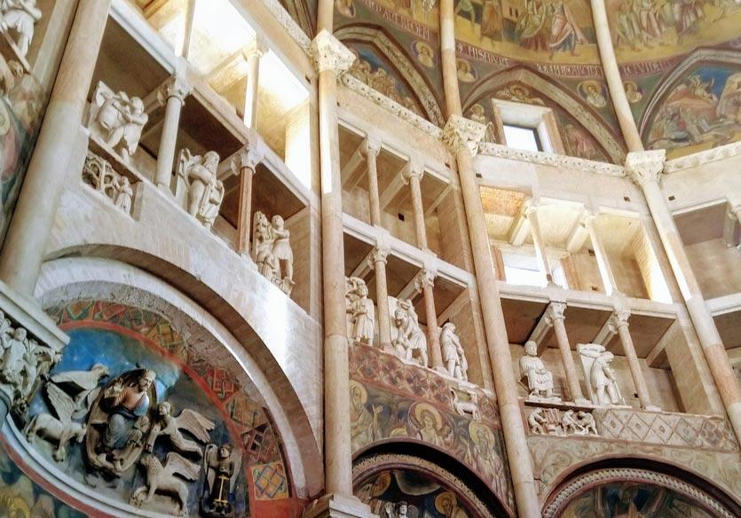 Parma, per un anno si potranno vedere da vicino i Mesi di Benedetto Antelami