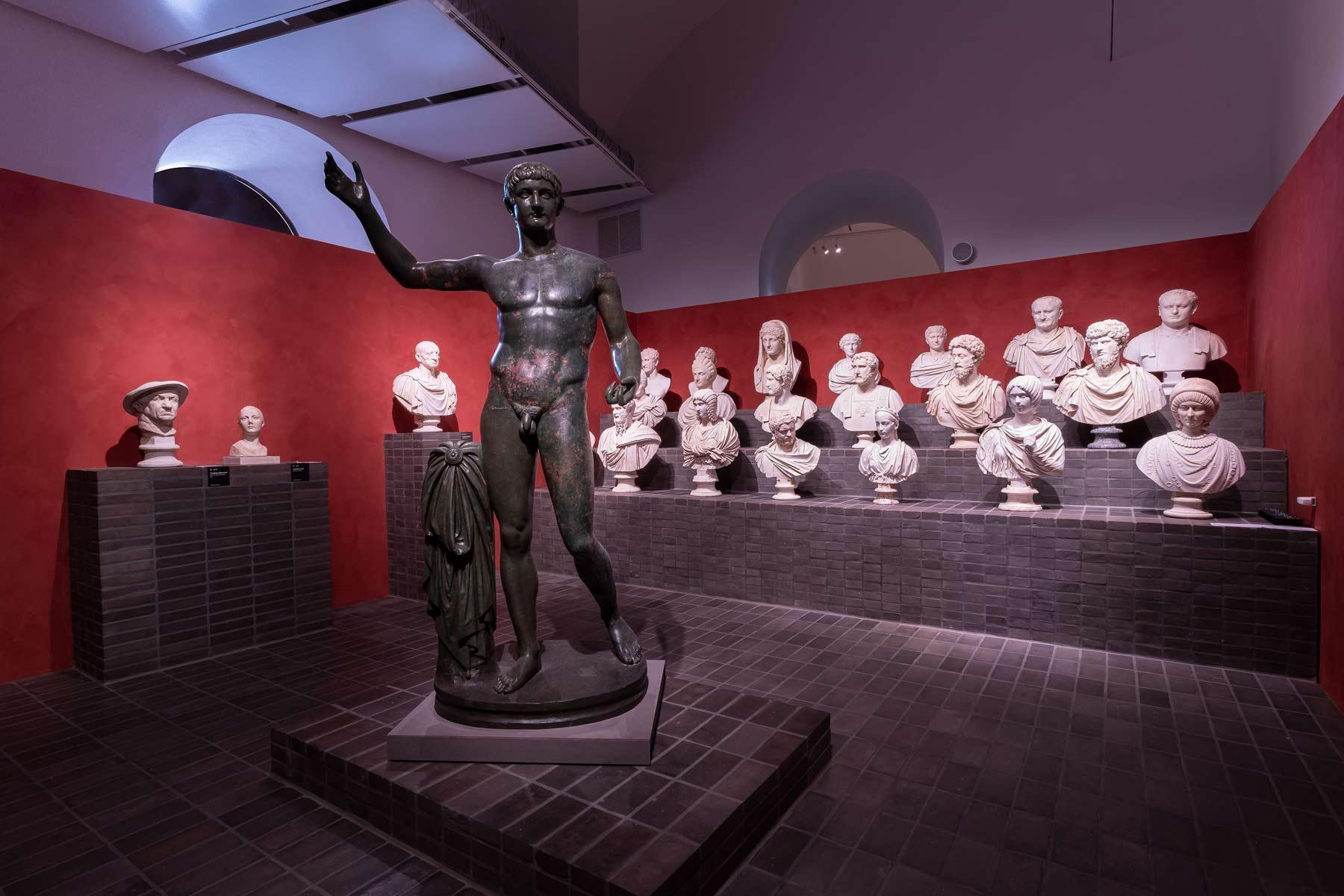 Roma, parte la grande mostra sui marmi Torlonia (pensando già alla sede definitiva). Le foto