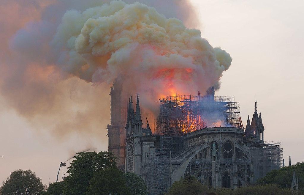 Notre-Dame, lunedì comincerà lo smontaggio dei ponteggi, più di un anno dopo l'incendio