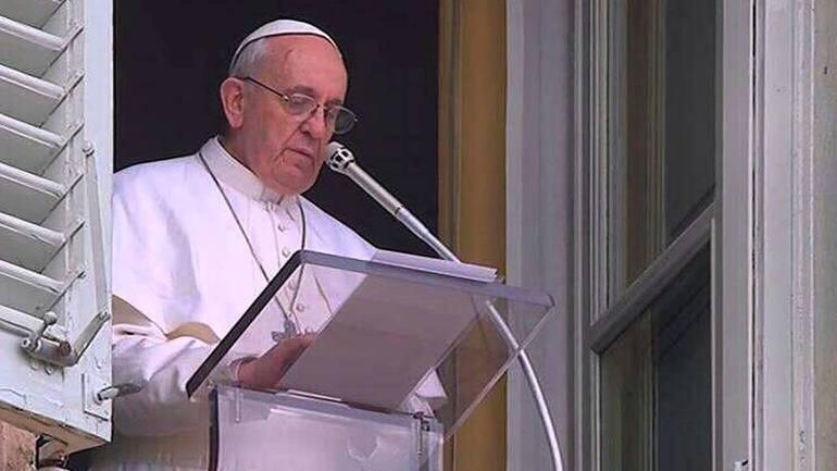 """Santa Sofia diventa moschea, papa Francesco: """"sono molto addolorato"""""""