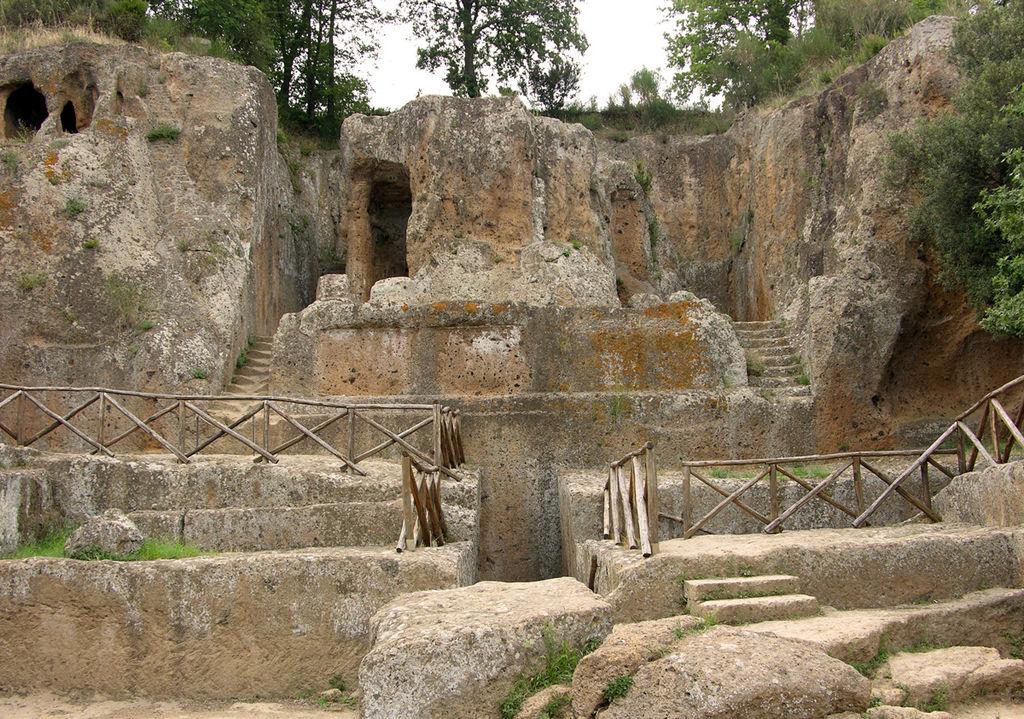 La Tomba Ildebranda nel Parco Archeologico Città del Tufo
