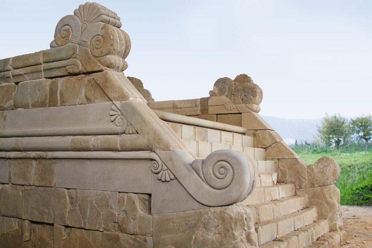 L'altare del tumulo del Sodo nel Parco Archeologico della Città di Cortona