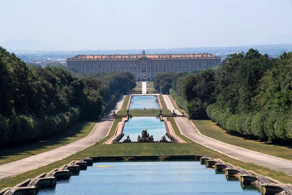 Reggia di Caserta: gli alberi sradicati dal maltempo diventeranno opere d'artigianato ed energia sostenibile