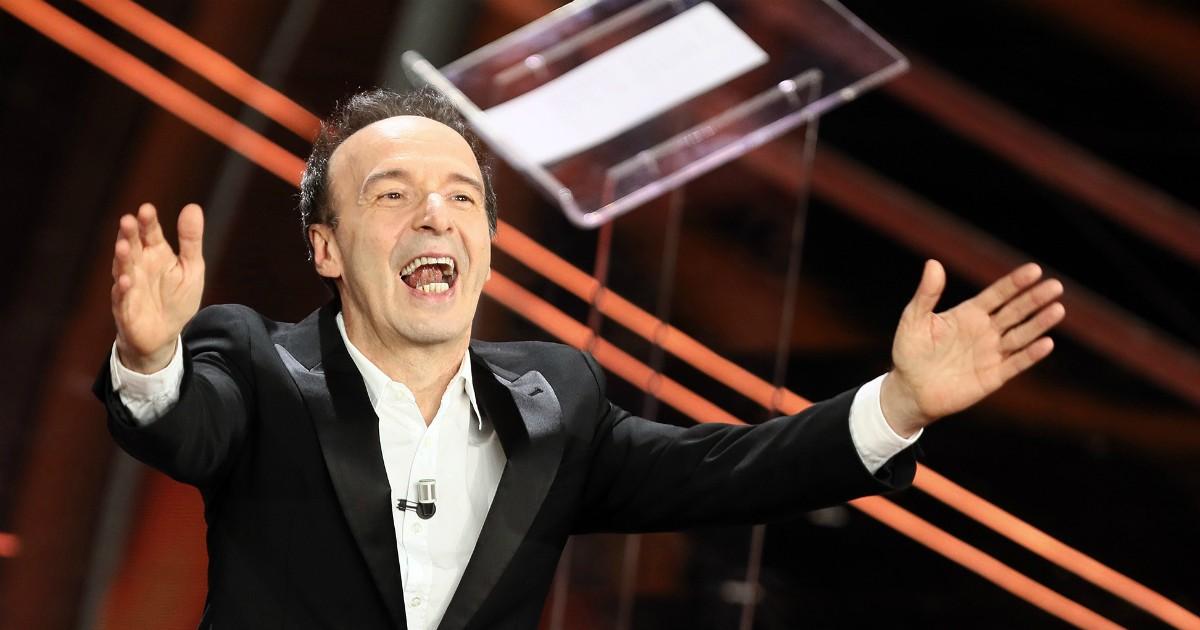 Anche Benigni provoca il pubblico di Sanremo e porta penetrazioni e sesso orale in prima serata su Rai Uno