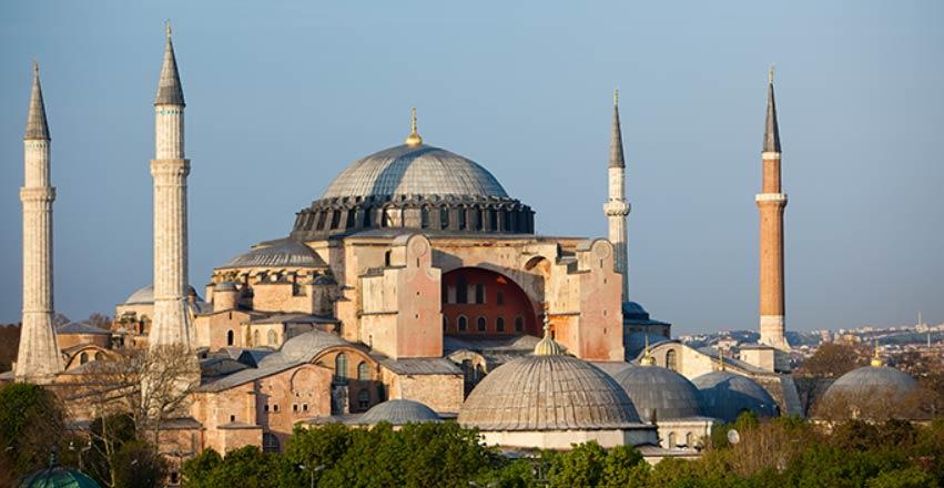 """Santa Sofia trasformata in moschea, ira dell'Unesco: """"Turchia decide senza informare"""""""