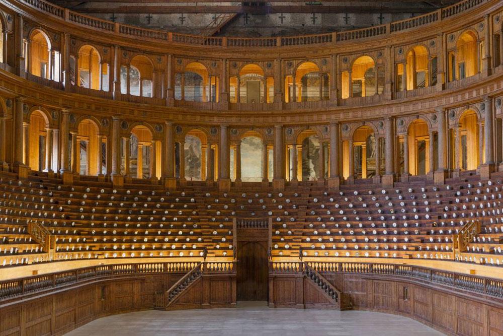 Raccontare la classicità attraverso il design contemporaneo. Alla Pilotta di Parma Theatrum Mundi