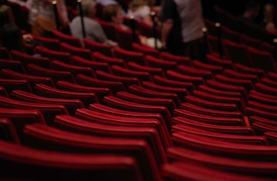 I teatri sono luoghi sicuri: dalla riapertura a oggi soltanto un caso di Covid-19