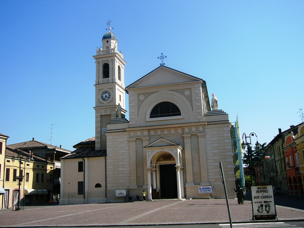 Brescello, piazza Matteotti
