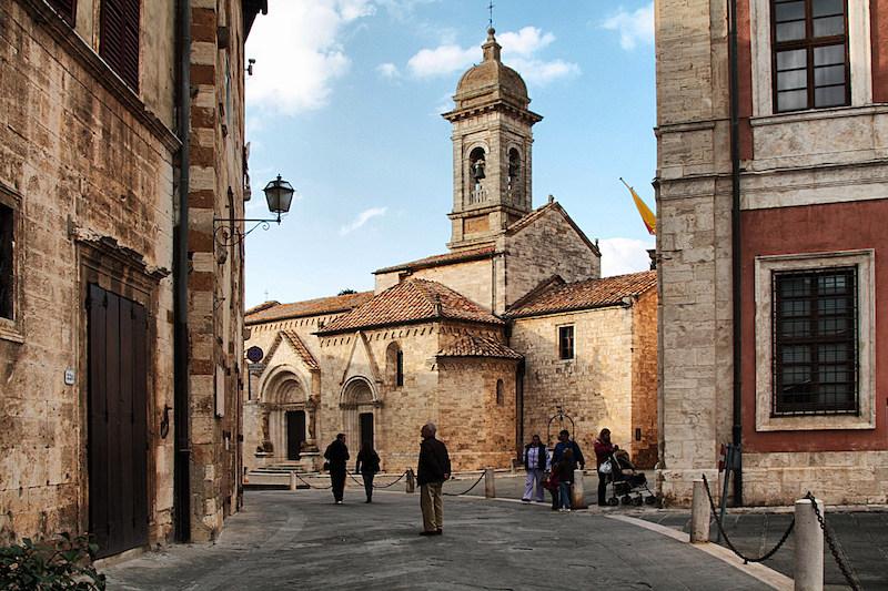 Centro di San Quirico d'Orcia, la collegiata dei Santi Quirico e Giulitta