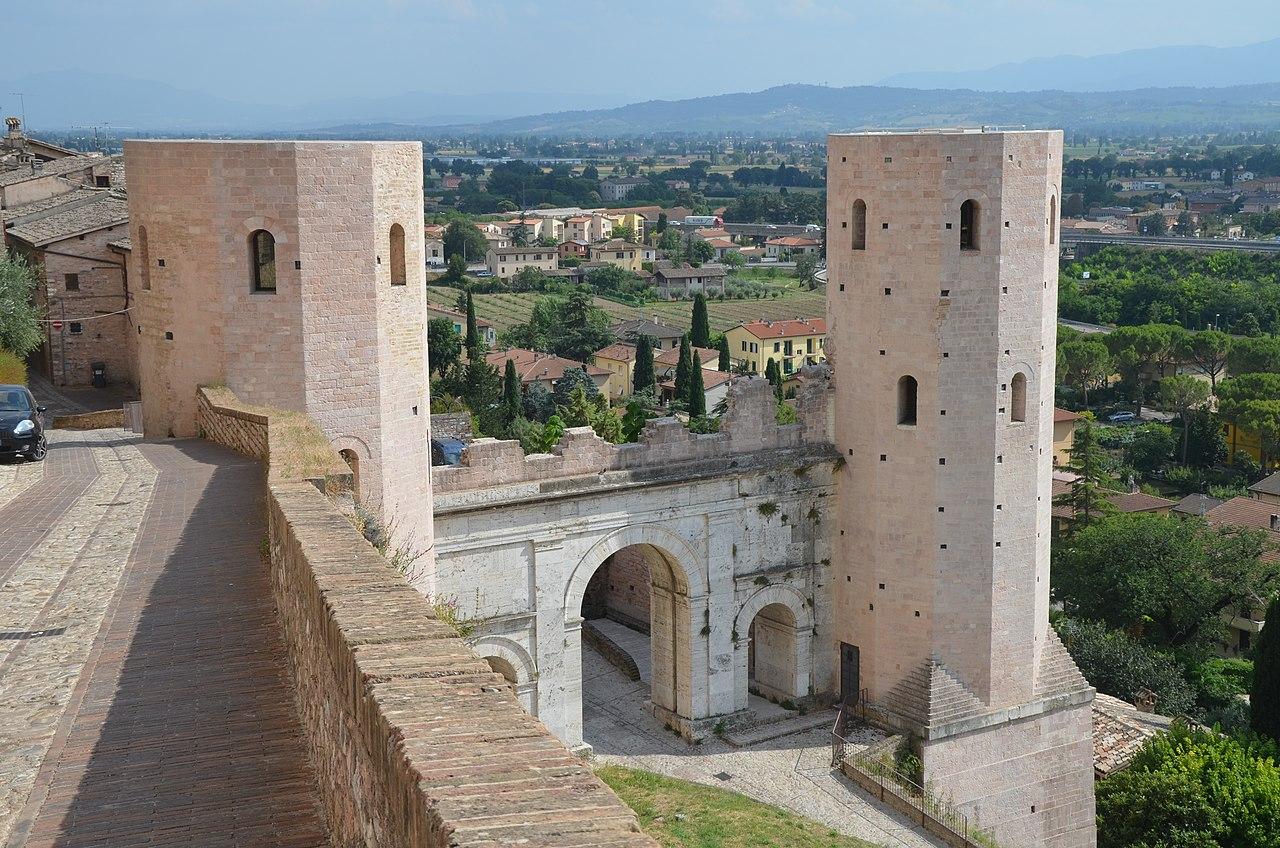 Spello, Porta Venere. Ph. Credit Carole Raddato