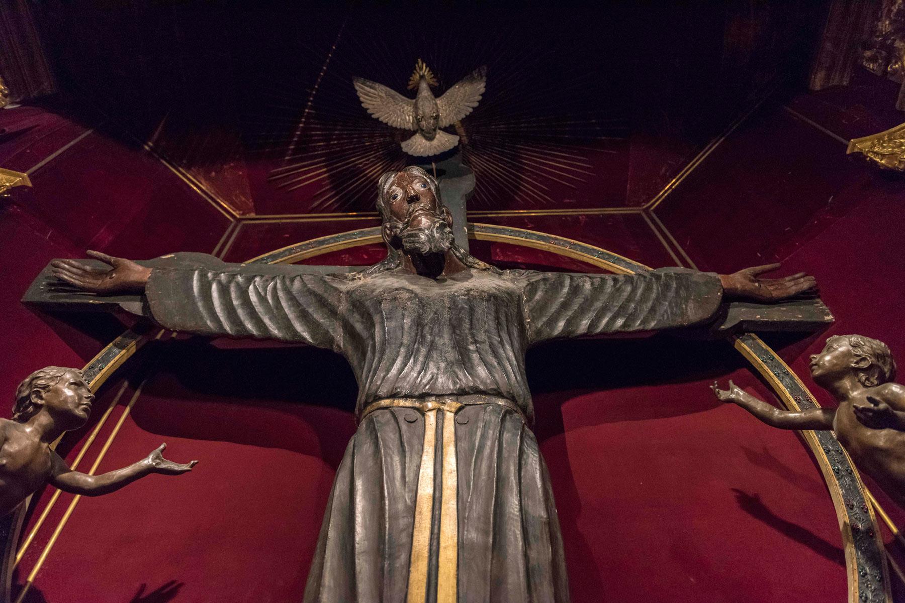 Straordinarie scoperte sul Volto Santo di Lucca: è la più antica scultura lignea dell'Occidente