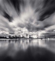 Il Po simbolo del tempo che scorre: il grande fiume nelle foto di Michael Kenna