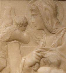 I capolavori giovanili di Michelangelo: la Madonna della Scala e la Battaglia dei Centauri