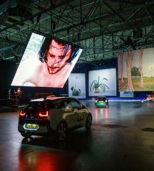 A Rotterdam una mostra drive in con opere di grandi artisti, da Kokoschka a Nauman