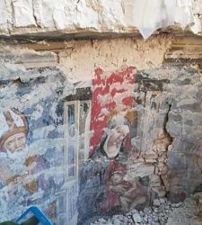 Norcia, scoperto affresco del XV secolo tra le macerie della basilica di San Benedetto