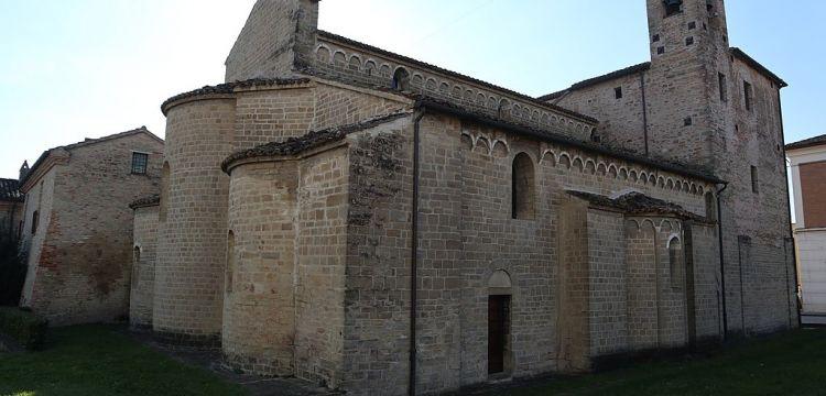 L'abbazia benedettina di Santa Maria di Moie, la perla del romanico delle Marche