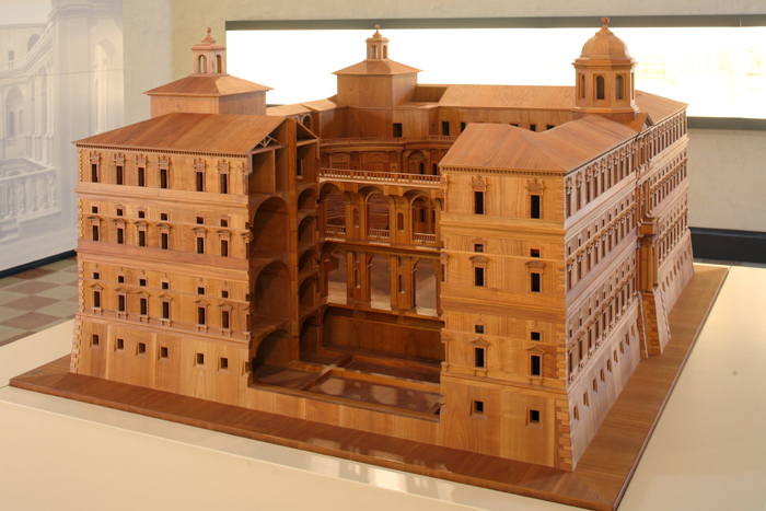 Il modello ligneo di Palazzo Farnese realizzato dall'architetto Enrico Bergonzoni, che mostra come il Palazzo sarebbe stato se fosse stato completato