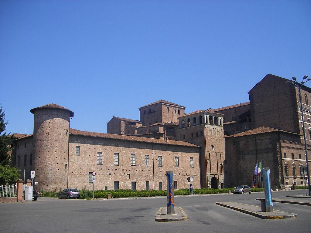 Piacenza, Palazzo Farnese, la porzione del castello visconteo rimasta. Ph. Szeder László