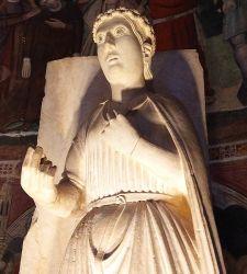 Una ghirlanda di primule in pietra: la Primavera di Benedetto Antelami