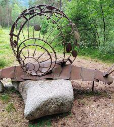 Ledro Land Art, il bosco del Trentino dove l'arte incontra la natura