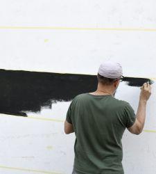 Un sommergibile a Modena: la monumentale opera murale di Flavio Favelli per festivalfilosofia 2021