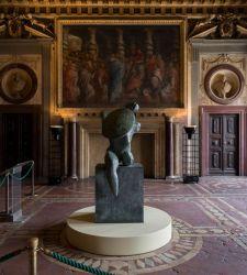 Firenze, dopo cinquant'anni il Guerriero con scudo di Henry Moore torna a Palazzo Vecchio