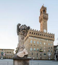 Firenze, ecco l'opera site-specific di Francesco Vezzoli per Piazza della Signoria