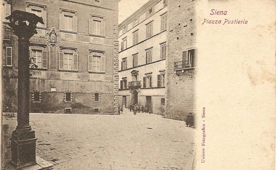 Piazza Postierla, Siena